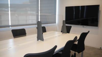 Voltage名古屋_会議室01 - Voltage名古屋 コワーキングスペース内貸し会議室の室内の写真