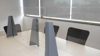 飛沫防止フィルター - Voltage名古屋 コワーキングスペース内貸し会議室の設備の写真