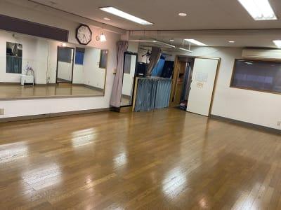 レッスンホールK ヨガ.ダンス.バレエ.サルサ.の入口の写真