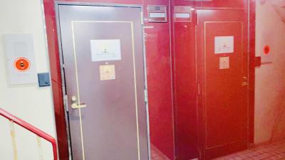 会議室Bee カジュアル会議室、多目的スペースの入口の写真