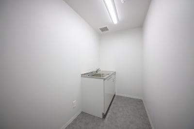 給湯室 - 東邦オフィス天神渡辺通 東邦オフィス渡辺通会議室㊶~㊿名の室内の写真