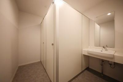 東邦オフィス天神渡辺通 東邦オフィス渡辺通会議室㉛~㊵名の室内の写真