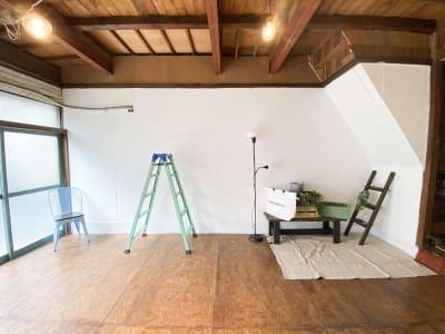 撮影小道具が置いてあります。 - Studio butter 【超格安】白壁撮影スタジオの室内の写真