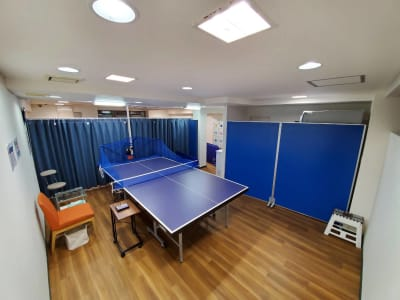 B台(入口奥) - 卓トレ府中店 マシン練習専用卓球場の室内の写真