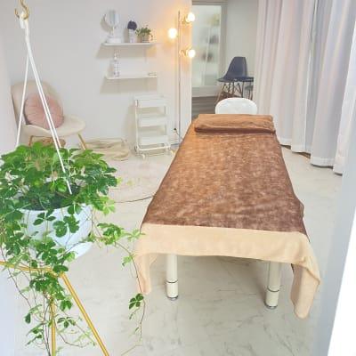 Room  eight 美容系レンタルサロンの室内の写真