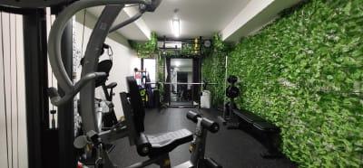 レンタルジムtdoh トレーニングスペースの室内の写真
