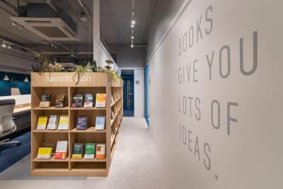 HAKADORU虎ノ門店 コワーキングスペース6の室内の写真