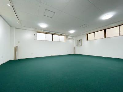 イベントペース - 多世代交流スペースぷらっとあっと 多目的スペースの室内の写真