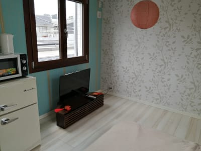 7畳のお部屋です。 窓はイタリア製木製サッシを使用しています。 - Hikario新宿 ワークスペース 302の室内の写真