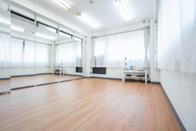 レンタルスタジオ HIKARI ダンススタジオ、ヨガスタジオの室内の写真