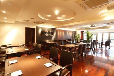 メインフロア - レストランスペース白金 パーティ/TV撮影スペースの室内の写真