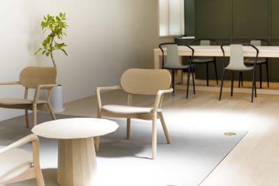 KALM尾山台 カフェ2階のレンタルスペースの室内の写真