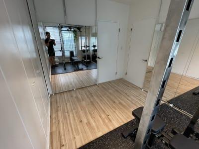cestlavie代官山 トレーニングルーム②の室内の写真