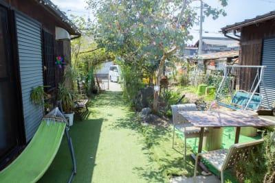 カフェ御結(おむすび) 中庭でイベントや撮影可能!の室内の写真