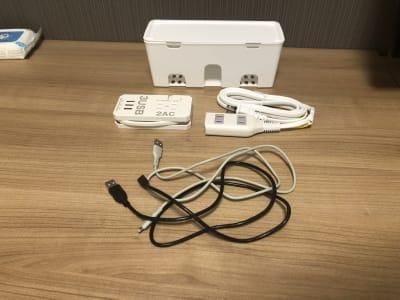 充電器、延長コード、充電ケーブル(Lightning、micro-USB)を用意しております。 - マルチスペース Pave吉祥寺 会議室、多目的スペースの設備の写真