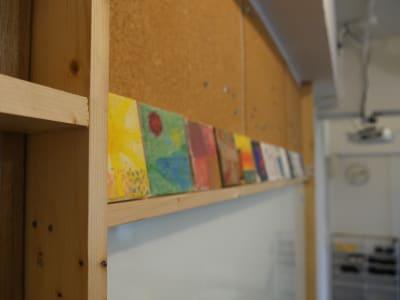 アート作品 - カメラ堂ビル「スタジオ」 貸し会議室(3階)・スタジオの室内の写真