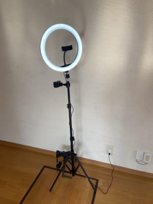LEDライト付・ケータイ撮影用三脚 - レンタルスタジオアヌビス レンタルの設備の写真