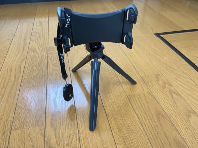 ケータイ撮影用ミニ三脚 - レンタルスタジオアヌビス レンタルの設備の写真