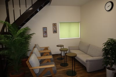 リラックススペースです。 - シェアオフィスippo コワーキングスペースの室内の写真