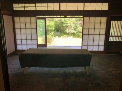 ベッドは2台まで入ります。 - 邸宅レンタルスペース東豊中 多目的スペースの室内の写真