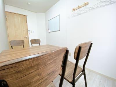 カラメル町田東口店 F室(グレー)の室内の写真