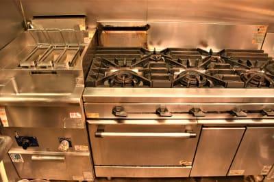 厨房、茹で麺器 - ウツボーノ レンタルカフェの設備の写真