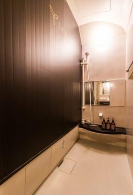 シャワー室 - シェアサロンTHE REMIUM 次世代型複合シェアサロンの設備の写真