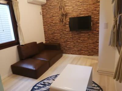 正方形に近い形の部屋なので、さまざまな用途に使えます。 - Hikario新宿 ワークスペース 203の室内の写真