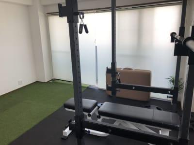 トレーニングができる部屋です。パワーラック完備。 - noma レンタルジム/サロン nomaの室内の写真