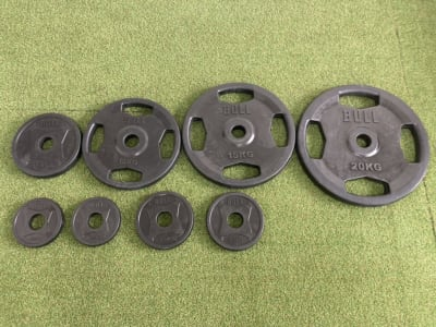 1.25×4 2.5kg×4 5kg×2 10kg×2 15kg×2 20kg×2 - noma レンタルジム/サロン nomaの設備の写真