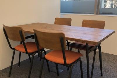 SHARE M-10 会議室2の室内の写真