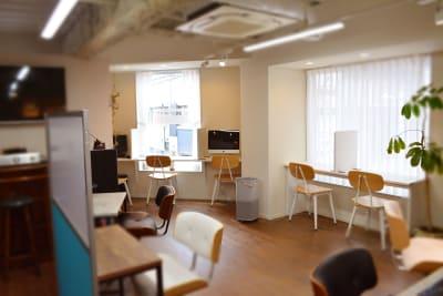 コワーキング・スペース - シェアースペース アウトサイダー レンタルスペース(ルームA+B)の室内の写真