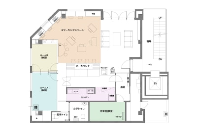 フロアーマップ - シェアースペース アウトサイダー レンタルスペース(ルームA+B)の室内の写真