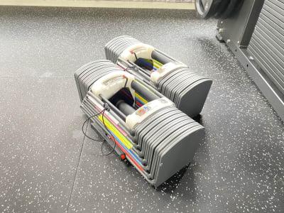 可変式ダンベル(最大41kg) - SHARE GYM KⅡ レンタルジムの室内の写真