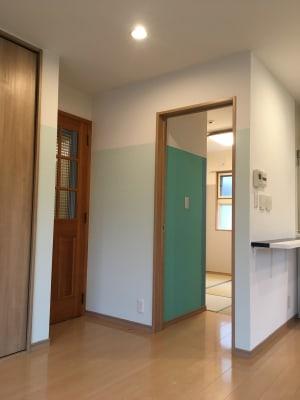 リビングの隣には、和室があります - OneRoomstudio キッチン付き、レンタルスペースの室内の写真