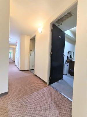 客室前廊下になります。 - ホテルアスティア名古屋栄 ワンフロア貸切スペース:個室7室の室内の写真