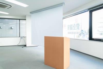 水道橋・後楽園貸し会議室LMJ Sharing Center 2階LL会議室 - LMJSharingCenter 2階LL会議室の室内の写真