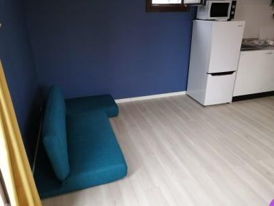 ソファベッドは施術ベッドとしても使用できます。 - Hikario新宿 ワークスペース301の室内の写真