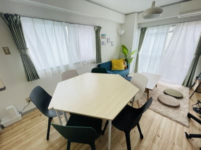 ピースユー大名 おうちスペース、リモートスペースの室内の写真