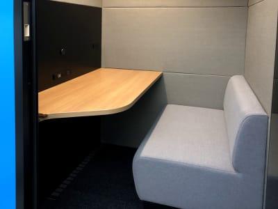 テレキューブ 新丸の内ビル WEB会議センター 02-03の室内の写真