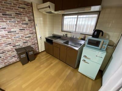岡村マンション サロン・テレワークスペースの室内の写真