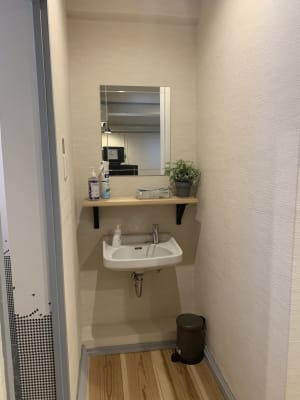 共用洗面台 - レンタルサロン ハコガシ A号室の設備の写真