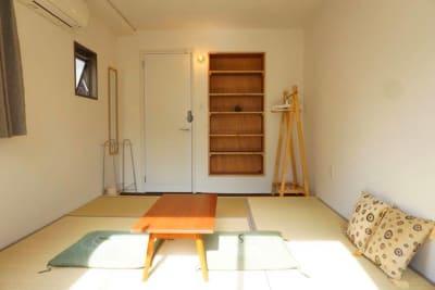 ビーハイブホステル大阪 長堀橋駅徒歩4分!畳8畳の和室。の室内の写真