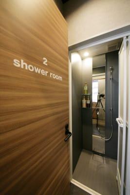 シャワールームも利用できます。 - 東邦オフィス福岡天神 東邦オフィス天神フィットネス③の室内の写真
