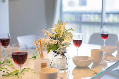 優雅な食事をお楽しみください - feel 浅草 301レンタルルームの室内の写真
