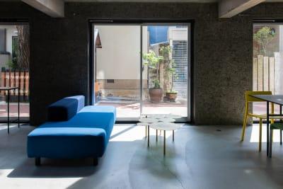 建築家設計の元ホテルのスタイリッシュな空間。敷地面積200㎡、建築面積300㎡の建物をまるごとお貸しします。 - Blend Studio スタジオ撮影10~12時間プランの室内の写真