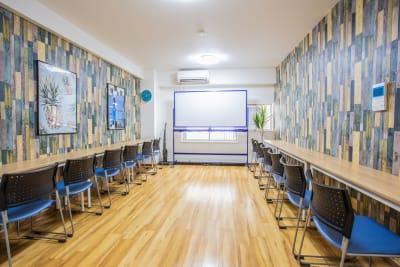 《VILLENT西梅田》 ブルーの室内の写真