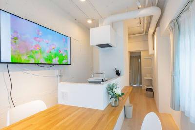 キッチン・ダイニングの全体像です。  - feel 浅草 501レンタルルームの室内の写真