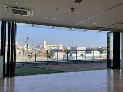 加納寿ビル 3階多目的ホール 多目的ホールの室内の写真