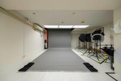 バックペーパー【グレー】※無料 - Studio Bis フォトスタジオの設備の写真